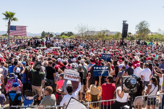 Fountain Hills, Arizona, 19th March 2016. The crowd surrounding Donald Trump.