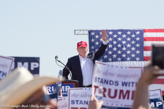Fountain Hills, Arizona, 19th March 2016. Donald Trump thanks the crowd at the end of this rally.